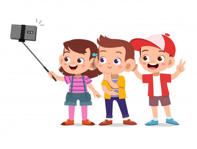kids-selfie